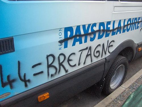 An example of the graffiti seen on public transport around Naoned/Nantes Breizh/Brittany.