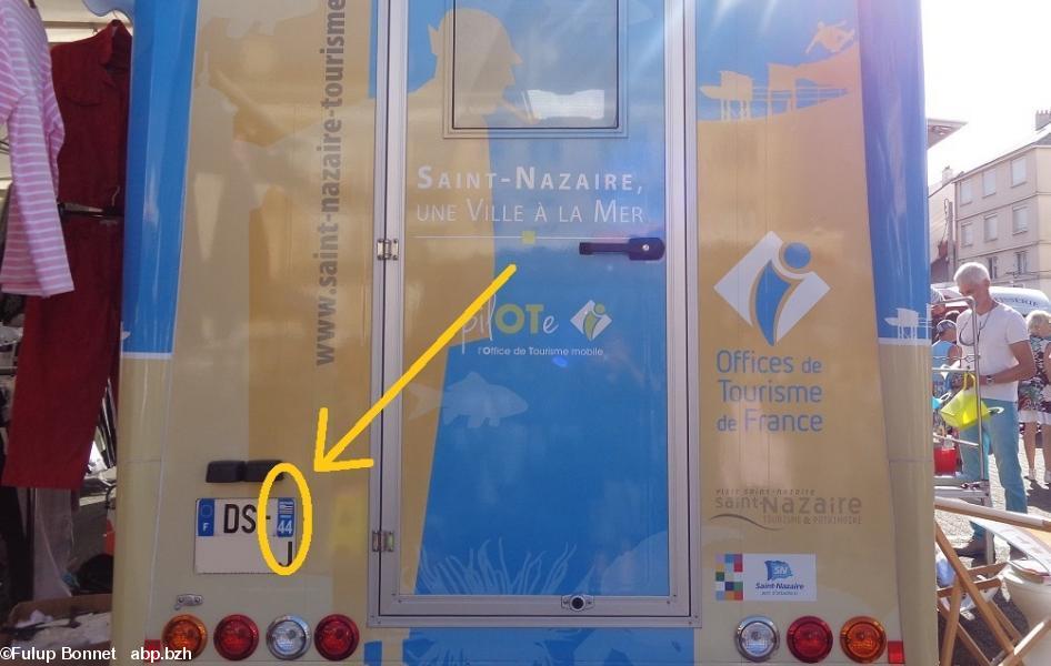 Des autocollants 44breizh sur une camionnette de l 39 office - Saint genix sur guiers office du tourisme ...