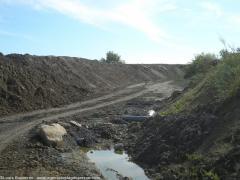 Ici atterrissent en vrac les déchets de  plusieurs chantiers de l'entreprise André  Landais. 25 25795_1.jpg