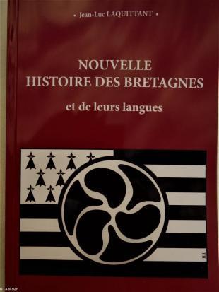 """couverture du livre de Jean luc Lacquittant :"""" Nouvelle histoire des langues de Bretagne"""""""