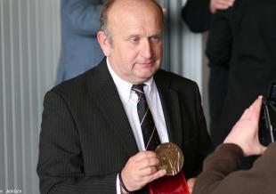 Philippe Abjean «Breton de l'Année» en 2010 et ««Collier de l'Hermine» en 2014 a ressuscité le Tro Breizh et imaginé la Vallée des Saints