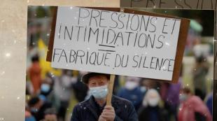 Manifestation à Rostrenen en faveur  de la journaliste Morgan Large (photo TV Quimperlé)